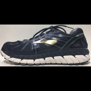 BROOKS BEAST Sz 8.5 4E (Extra Wide) Athletic Shoe